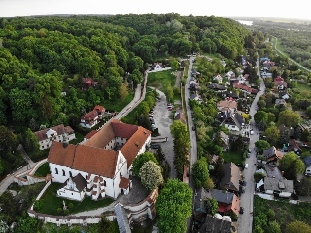 Aplikacja ma pomóc odkryć turystom mniej popularne miejsca w okolicy: jak Mięćmierz, Okale czy Wąwóz Małachowskiego