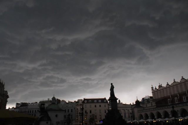 Dziś w Krakowie i całej Małopolsce mogą wystąpić gwałtowne burze.