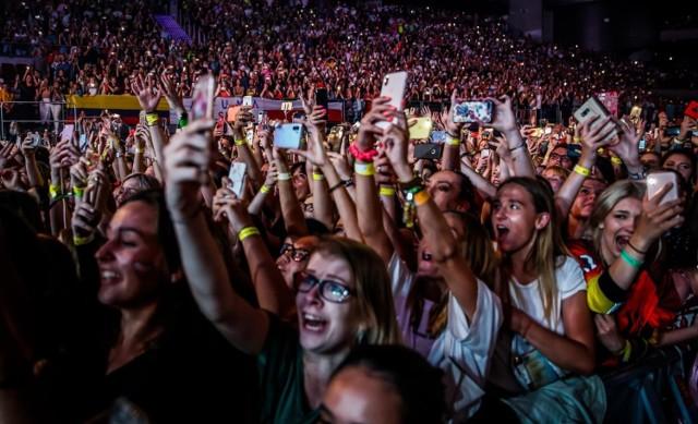 Sunrise Festival, 19 - 21 lipca, Kołobrzeg Podczele  Festival muzyki techno. W Kołobrzegu Podczele stoi pięć scen, a wystąpią m.in. The Chainsmokers, Armin Van Buuren, Arojack, Timmy Trumpet, Joris Voorn, Tchami b2b Malaa, Fedde Le Grand, W&W, Headhunterz i Adam Beyer.  Pol'And Rock, 1 -3 sierpnia 2019  Pol'and'Rock w Kostrzynie nad Odrą to festiwal, na który co roku przyjeżdżają setki tysięcy ludzi. W tym roku zagrają m.in. Skunk Anansie i Ziggy Marley, ale wiadomo - na festiwal przyjeżdża się przede wszystkim dla atmosfery.   CzarnOFF Fest, 22 - 25 sierpnia 2019, Rudawy Janowickie  W tym roku na CzarnOFF Fest wystąpią Kumbia Mać, Afrotuba i wrocławski zespół Bethel. Fani z Wrocławia na pewno wybiorą się na ten festiwal muzyki reggae.