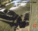 Brutalny napad w Warszawie. Policja szuka... poszkodowanego [WIDEO]