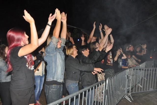 Zdjęcia z koncertów grup Naked Brown i eM podczas festiwalu Rock w Rok 2013 w Sulęczynie