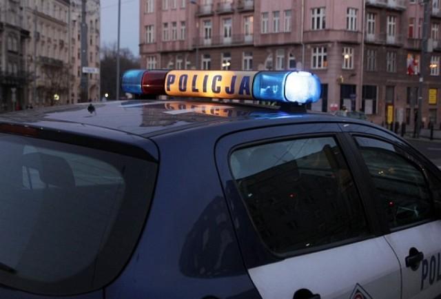 Zwłoki noworodka w reklamówce w Warszawie. Policja szuka świadków