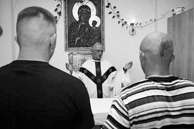 Ksiądz Piotr Świtajski od lat był kapelanem osadzonych w kwidzyńskim zakładzie karnym