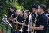 Koncert Brass Band Oborniki na obornickich łazienkach! [ZDJĘCIA]