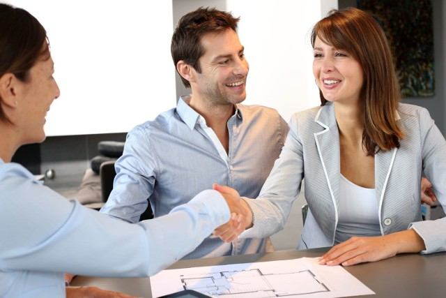 Sprzedaż mieszkania trwa dziś średnio o 6 dni krócej niż przed rokiem.