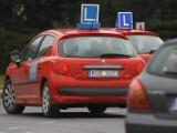 Zatrzymany w Inowrocławiu samochód do nauki jazdy miał... łyse opony