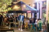 Restauratorzy chcą, by na deptak w Lublinie wróciła muzyka. A sąsiedzi dzwonią po strażników