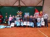 Tenisiści z Krajenki na turnieju mikołajkowym