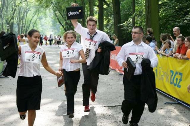 Rat Race 2013. Wyścig białych kołnierzyków w sobotę wokół Placu Unii