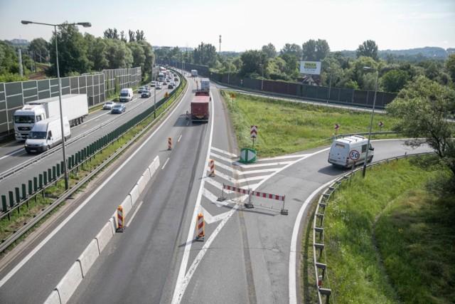 Celem rozbudowy węzła Kraków Południe w Opatkowicach jest poprawa płynności ruchu na węźle drogowym oraz na wylotówce na Chyżne i Zakopane.