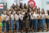 Ruszyły przygotowania do IV edycji Miss Ziemi Łomżyńskiej. Dziewczyny nagrały wizytówki i zrobiły profesjonalne zdjęcia