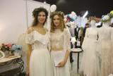 Targi Ślubne w Katowicach. Cudowne suknie ślubne pokazują nowe trendy w modzie