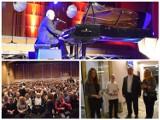 Ryszard Rynkowski - koncert charytatywny w Filharmonii. Podlasianie wsparli Fundusz Białystok Ojcu Świętemu i zdolną młodzież [zdjęcia]