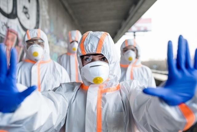 Dane statystyczne dotyczące pandemii koronawirusa w niedzielę, 18 kwietnia 2021 roku.