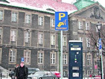 - Nowo oznakowane parkomaty widać z daleka - cieszą się kierowcy.