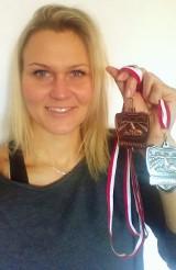 """Policjantka z bydgoskiej """"drogówki"""" zdobyła trzy medale w pływaniu [ZDJĘCIA]"""