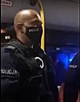 Interwencja policji w autobusie w Jeleniej Górze. Płacz dzieci, kajdanki. Powód? Elektryczna hulajnoga [FILM]