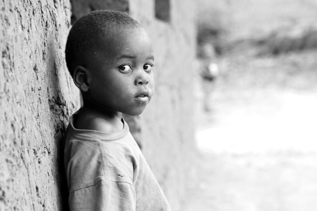 Koronawirus w Afryce: Niskie liczby mogą mylić. Fala epidemii może spowodować głód, zamieszki i destabilizację sytuacji politycznej.