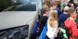 Strach w Rydułtowach! Kierowca miał zaczepiać dzieci przy szkole. Policja sprawdza zgłoszenie