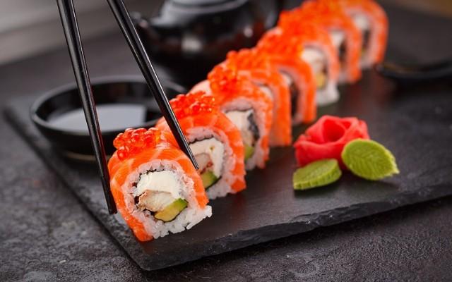 W której restauracji można zamówić najlepsze sushi? Kliknij w zdjęcia i sprawdź