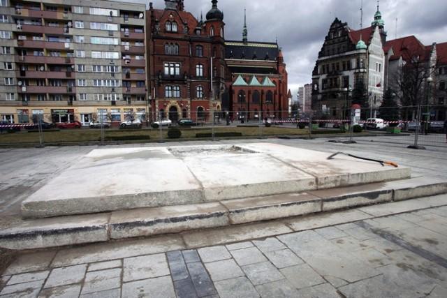Nie ma już pomnika Braterstwa Broni w Legnicy