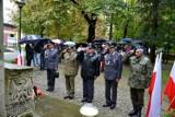 Olkusz. Obchody 82. rocznicy agresji sowieckiej na Polskę. Uroczystość pod pomnikiem upamiętniającym ofiary wojny [ZDJĘCIA]