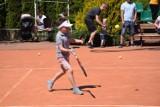 Sportowe emocje i zabawa towarzyszyły turniejowi tenisowemu z okazji Dnia Dziecka