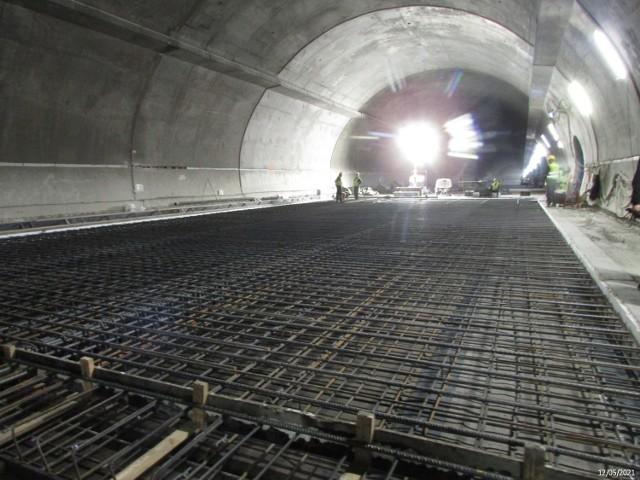 Budowa tunelu zakopianki. Stan na maj 2021. Zobacz zdjęcia i schematy aktualnego stanu budowy.