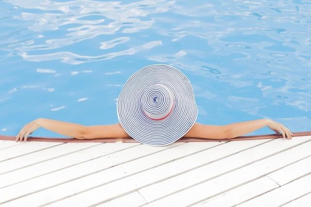 Jak spędzamy urlop? Kobiety preferują wakacje poza Polską, mężczyźni zostają w kraju
