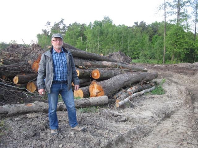 Bogdan Zachara, podobnie jak pozostali mieszkańcy Mokrzysk, nie wie, ile pieniędzy dostanie za swoją działkę.