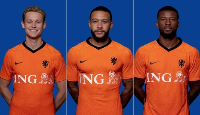 Od lewej: Frenkie de Jong, Memphis Depay i Georginio Wijnaldum