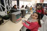 Retro Strefa Gier w galerii Libero w Katowicach otwarta. Gramy na Atari 800XL, PONG czy Super Pegasusie ZDJĘCIA