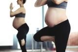 Nowy trend w sieci! Mamy wracają do formy po ciąży i... motywują setki innych kobiet. Ćwiczenia dla mamy i dziecka