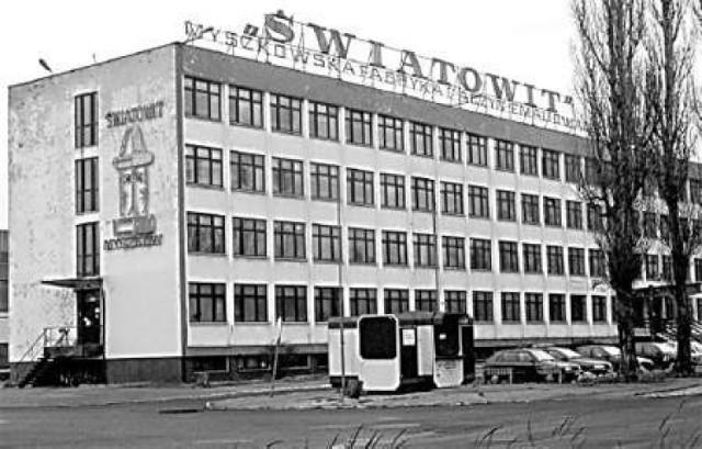 Biurowiec Myszkowskiej Fabryki Naczyń Emaliowanych Światowit w latach 80. XX wieku