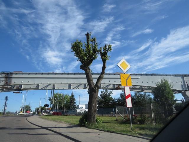 W rejonie budowy mostu wystąpią utrudnienia w poruszaniu się ulicą Wiejską.