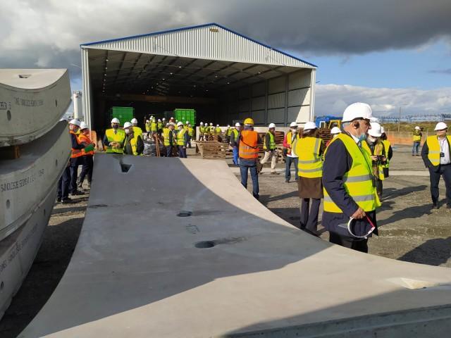 Tak wygląda plac budowy tunelu, komora startowa i zakład prefabrykacji, który znajduje się na miejscu.