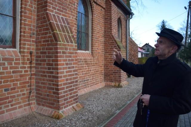 Kościół w Kmiecinie powoli wraca do swojego pierwotnego, gotyckiego wyglądu. Świątynia przeszła w ostatnich latach szereg remontów i prac konserwatorskich.