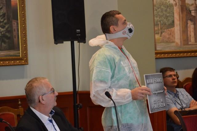 Remigiusz Krajniak z Lubuskiego Alarmu Smogowego nie został zaproszony na sesję rady miejskiej organizowaną we wrześniu ws. jakości powietrza w mieście.