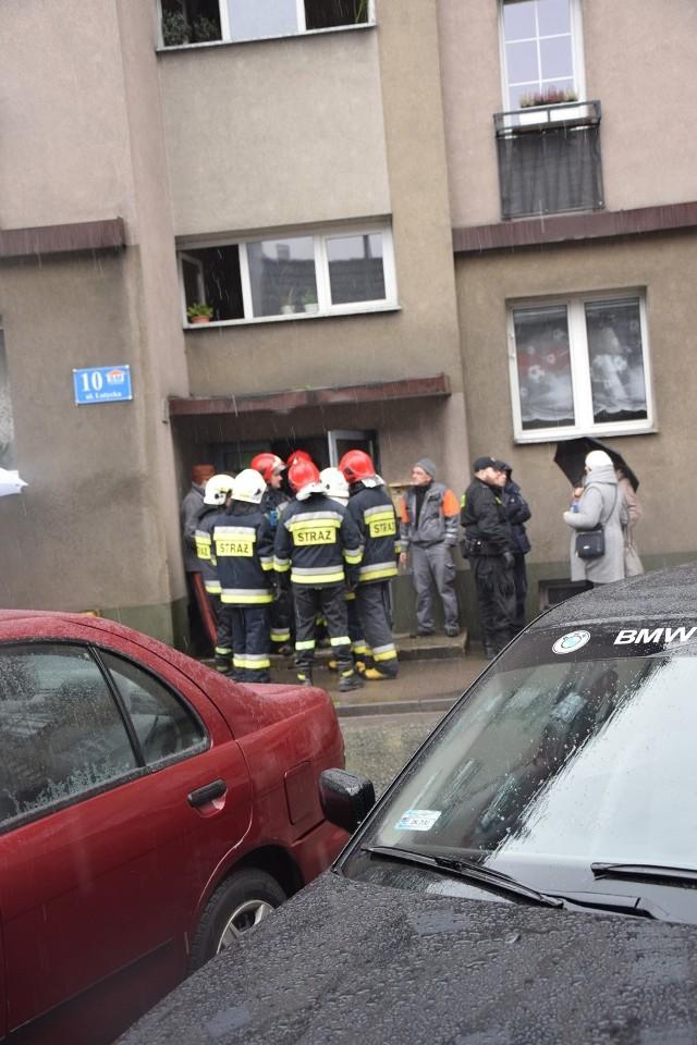 Ulatniający się gaz sprawił, że zarządzono ewakuacjęi mieszkańców Lutyckiej w Kłodzku