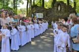 """I Komunia Święta w Parafii św. Stanisława Kostki """"U Oblat"""" w Lublińcu. Przyjęło ją 61 dzieci [ZDJĘCIA]"""