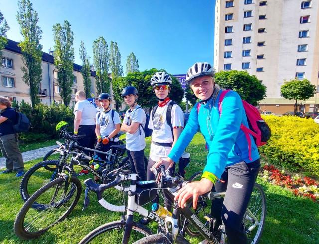 14 czerwca o godzinie 8:20 ze skweru ulic Jubileuszowej i Batorego wyruszył rajd rowerowy uczniów chorzowskich szkół do Oświęcimia. Ma on upamiętnić pierwszy transport więźniów z Tarnowa do Obozu Zagłady Auschwitz.