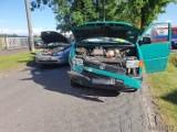 Wypadek w Jełowej na drodze krajowej 45. Zderzyły się dwa samochody [zdjęcia]