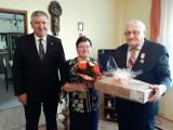 Jubileusze 50-lecia pożycia małżeńskiego Kwilcz 2020: 10 par odebrało okolicznościowe medale nadane przez Prezydenta RP
