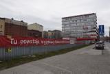 Co z budową hotelu Qubus w Katowicach? Inwestycja została wstrzymana w lipcu ubiegłego roku
