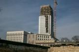 Kraków. Kłopoty z budową Unity Tower. Wykonawca zabrał głos