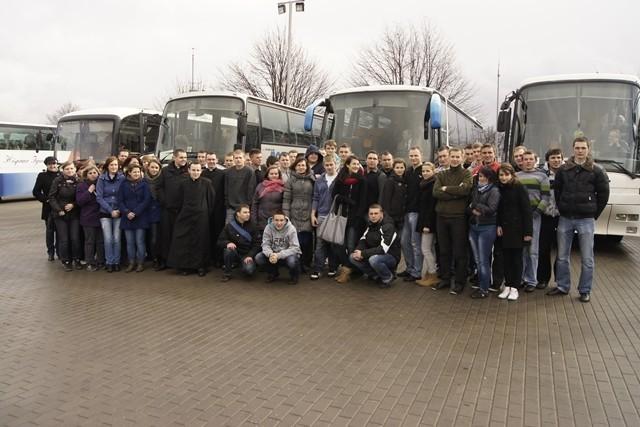 W pielgrzymce wzięło udział prawie stu uczniów ZSP nr 2 w Łowiczu