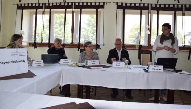 Argumenty przeciwko budowie zbiornika przedstawiciele fundacji Greenmind i współpracujący z nimi fachowcy przedstawili na konferencji prasowej, którą zorganizowali w Jaśle.