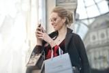 Zakupy na ostatnią chwilę. Sprawdź, jak sklepy w Pruszczu Gdańskim pracują 24 grudnia. Gdzie zrobisz zakupy last minute?