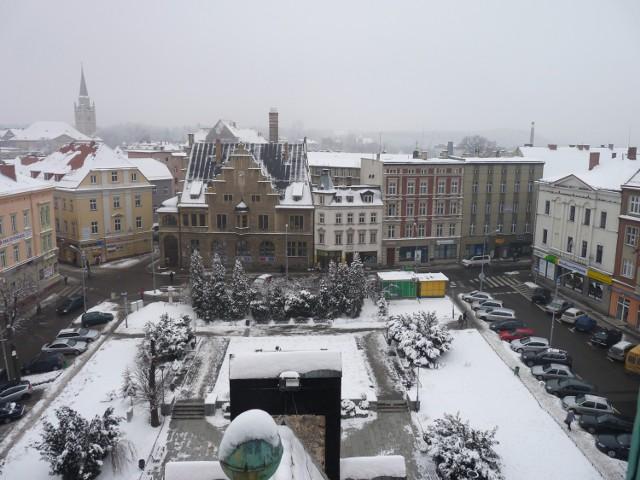 Widok z głównej wieży wałbrzyskiego ratusza na pl. Magistracki, przed rozpoczęciem jego przebudowy