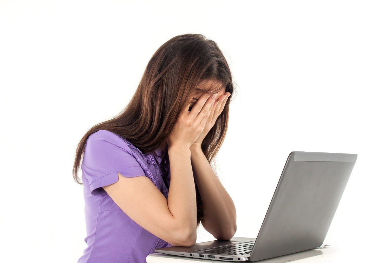 861a730f6 Cyberprzemoc: Kiedy dziecko jest celem. Od upokarzania, groomingu po ...